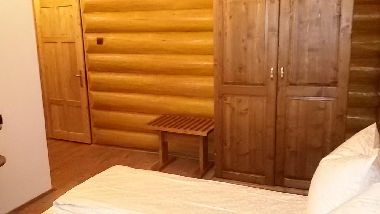 Decor interior si utilitati camera
